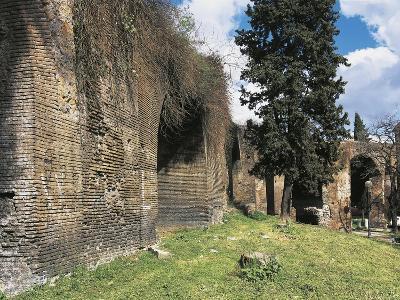 Italy, Latium Region, Rome, Aqua Claudia, Roman Aqueduct--Giclee Print