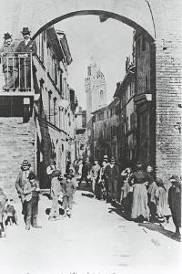 Italy, Siena, Buonconvento, Porta Romana, 1902