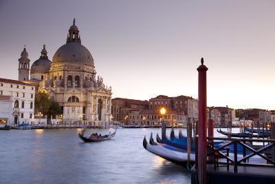 Italy, Veneto-Ken Scicluna-Photographic Print