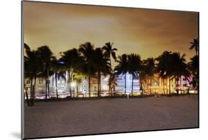 Art Deco District Miami South Beach by Ixefra