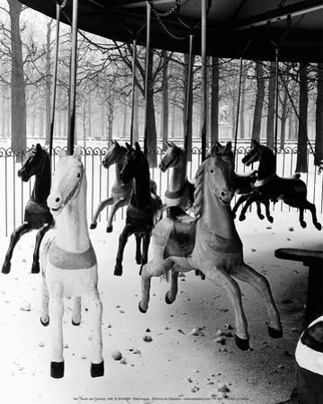 Jardin des Tuileries 1950 by Izis