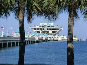 Pier, St. Petersburg, Gulf Coast, Florida, USA by J Lightfoot