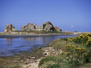 Pors Bugalez, Brittany, France by J Lightfoot
