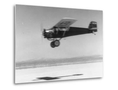 An Airplane in Flight, Speed-Blurred