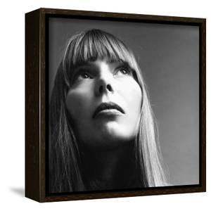 Vogue - February 1969 - Joni Mitchell by Jack Robinson