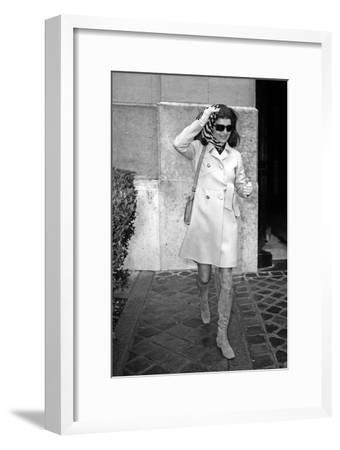 Jackie Kennedy Onassis (Nina Ricci Sunglasses, Gucci Bag) Leaving Crillon Hotel, Paris, 1970--Framed Photo