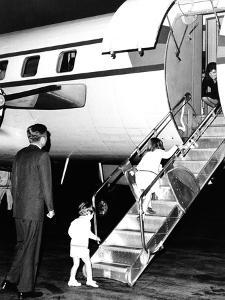 Jacqueline Kennedy Welcomed Home after Vacation on Aristotle Onassis's Yacht, Oct 17, 1963