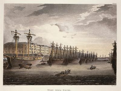 UK, London, Wharf at Westminister Bridge