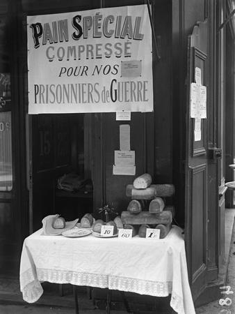 'Special Squashed Bread for Our Prisoners of War', Paris, 1915