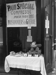 'Special Squashed Bread for Our Prisoners of War', Paris, 1915 by Jacques Moreau