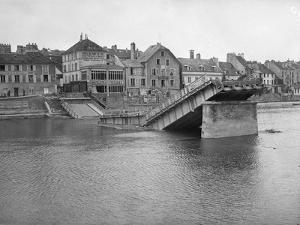 The Destroyed Iron Bridge, Lagny Sur Marne, 1914 by Jacques Moreau