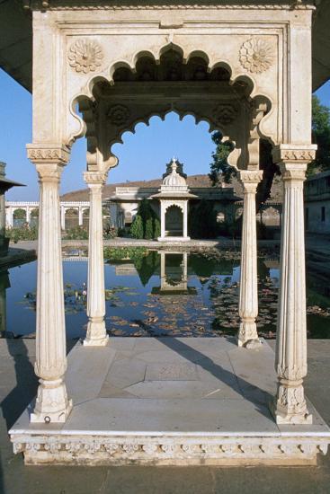 Jag Mandir, Udaipur, Rajasthan, India-Vivienne Sharp-Photographic Print