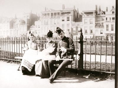 People on a Bench, Rotterdam, 1898 by James Batkin
