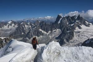Climbers approaching the Tunnel to the Aiguile du Midi, 3842m, Graian Alps, Chamonix, Haute Savoie, by James Emmerson