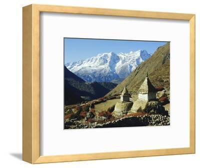 Stupas on the Path to Tengboche, Khumbu Himal, Himalayas, Nepal