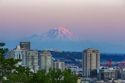 Wa, Seattle, Skyline View with Mount Rainier