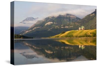 Canada, Alberta, Waterton Lakes NP, Prince of Wales Hotel
