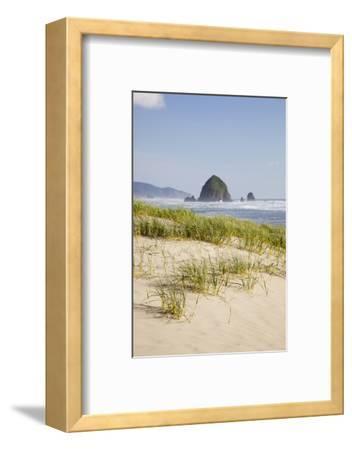 Cannon Beach and Haystack Rock, Oregon, USA