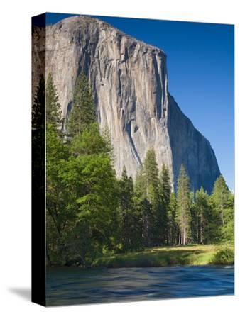 El Capitan and Merced River. Yosemite National Park, CA