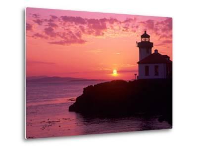 Lime Kiln Lighthouse, Entrance to Haro Strait, San Juan Island, Washington, USA