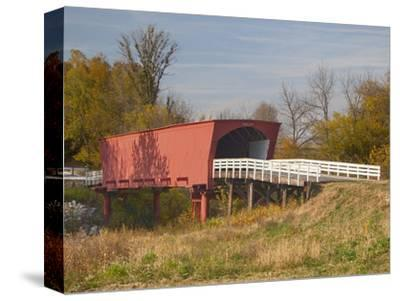 Roseman Covered Bridge Spans Middle River, Built in 1883, Madison County, Iowa, Usa