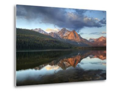 Stanley Lake and Mcgowan Peak, Sawtooth National Recreation Area, Idaho, USA