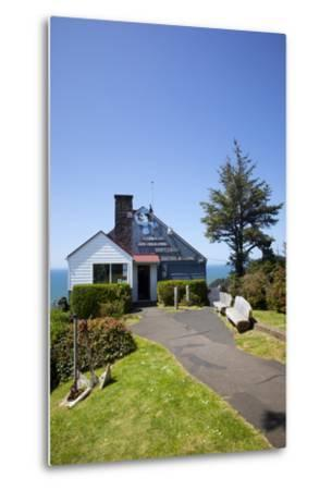 The Lookout Observatory and Gift Shop, Cape Foulweather, Oregon, USA