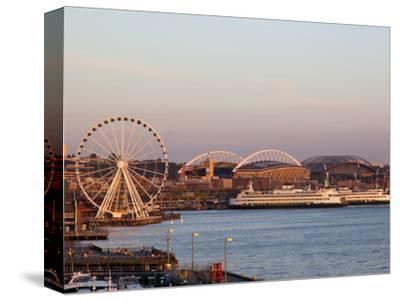 The Seattle Great Wheel, Seattle, Washington, USA