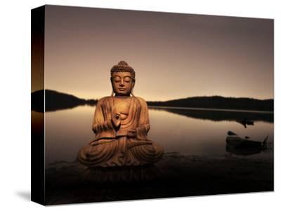 Golden Buddha Lakeside