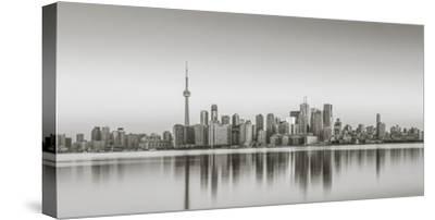 Canada, Ontario, Toronto, View of Cn Tower and City Skyline