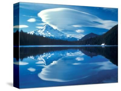 Mt. Hood Reflected in Lost Lake, Oregon Cascades, USA