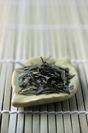 https://imgc.artprintimages.com/img/print/japanese-sencha-green-tea_u-l-pzh5sa0.jpg?p=0