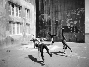 Don't Move 1, 2015 by Jaschi Klein