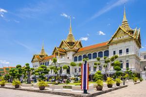 Phra Thinang Chakri Maha Prasat throne hall, Grand Palace complex, Bangkok, Thailand by Jason Langley