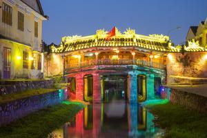 The Japanese Covered Bridge in Hoi An ancient town at night, Hoi An, Quang Nam Province, Vietnam by Jason Langley