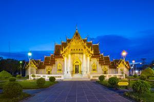 The Marble Temple (Wat Benchamabophit Dusitvanaram) at night, Bangkok, Thailand by Jason Langley