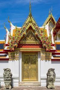Wat Pho (Temple of the Reclining Buddha), Bangkok, Thailand by Jason Langley