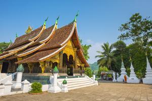 Wat Xieng Thong buddhist temple, Luang Prabang, Louangphabang Province, Laos by Jason Langley