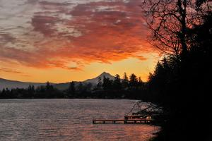 Blue Lake and Mt Hood at Sunrise, Oregon, USA by Jaynes Gallery
