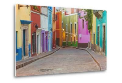 Mexico, Guanajuato. Colorful Street Scene