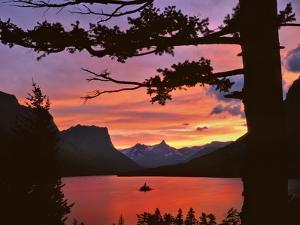 St Mary Lake at Sunset, Glacier National Park, Montana, USA by Jaynes Gallery