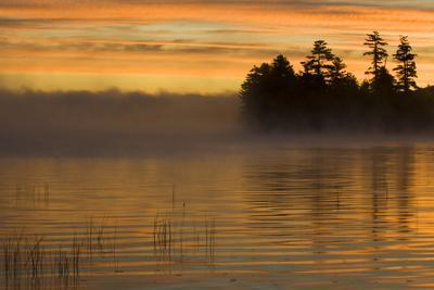 USA, New York, Adirondack Mountains. Racquette Lake at Sunrise