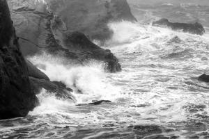 USA, Oregon, Bandon. Storm waves on coast. by Jaynes Gallery
