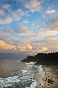 USA, Oregon. Heceta Head Lighthouse in Morning Light by Jaynes Gallery