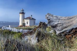 USA, Oregon. Scenic of Umpqua River Lighthouse. by Jaynes Gallery