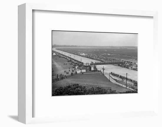 JCC Double Twelve Race, Brooklands, Surrey, 1929-Bill Brunell-Framed Photographic Print