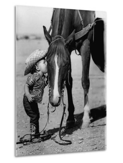 Jean Anne Evans, 14 Month Old Texas Girl Kissing Her Horse-Allan Grant-Metal Print