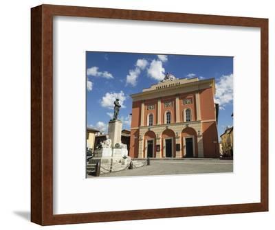 Civic Theatre, Piazza Vittorio Veneto, Norcia, Umbria, Italy, Europe