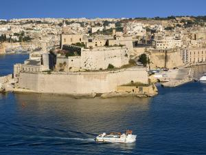 Fort St Angelo in Grand Harbour by Jean-pierre Lescourret