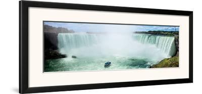 Horseshoe Falls I, Niagara, Ontario by Jeff Maihara